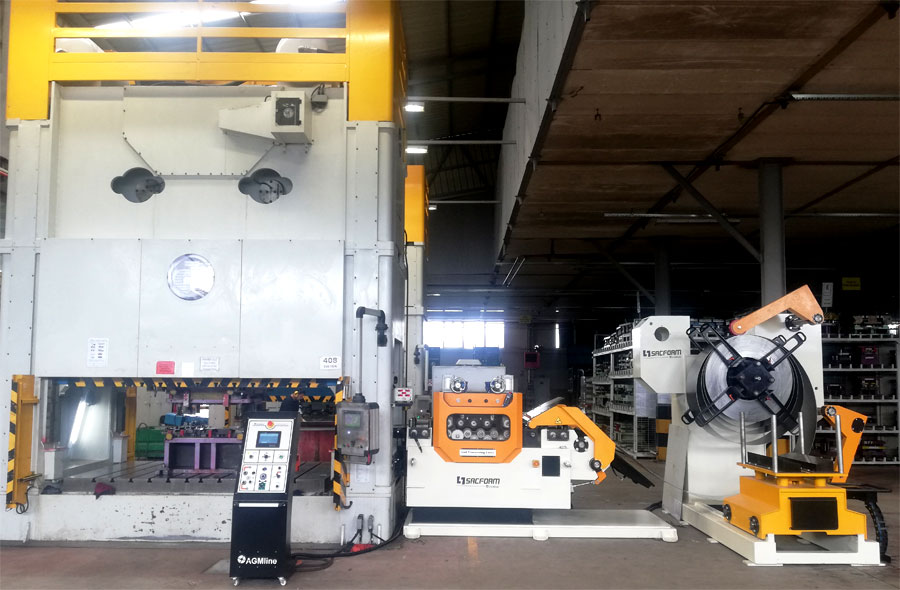 AGMline compact press feeding machine 2019 2.jpg